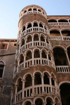 The Gypsy's Guide: Scala Contarini del Bovolo