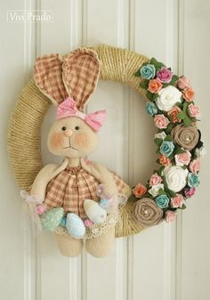 Diy Crafts For Gifts, Crafts To Make And Sell, Arts And Crafts, Easter Pillows, Diy Ostern, Easter Wreaths, Handmade Toys, Easter Crafts, Sewing Crafts