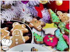 Απο τα καλυτερα αρωματικα μπισκοτα Χριστουγεννων που μπορειτε να φτιαξετε και να γευτειτε εσεις και οι φιλοι σας. Σε ομορφη συσκευασια δωρου για αγαπημενα σας προσωπα φτιαγμενα με αγαπη απο τα χερακια σας. Πραγματικα αξιζουν να τα δοκιμασετε!!! <strong>Απολαυστε τα!!!!</strong>