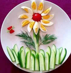 food art / kids food art / food decoration / eggs and cucumber Cute Food, Good Food, Yummy Food, Food Plating Techniques, Party Food Platters, Fruit Platters, Creative Food Art, Creative Kids, Food Art For Kids