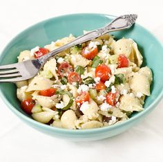 A simple, refreshing pasta salad makes the perfect light lunch or dinner for a warm day. The ingredients are inexpensive and fresh, the flavors are bright and breezy, and you only have to spend half an hour in the kitchen to put it together! Your favorite vibrant veggies will l