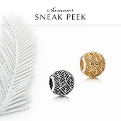 The simple beauty of the palm leaf is brought to life in these refined abstract charms. They are a trendy way of adding a subtle touch of summer to your bracelet. Available in both 14k gold and sterling silver – which one is your favorite? #PANDORA #PANDORAcharm