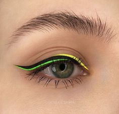 Image shared by BIEBER Find images and videos about beauty, makeup and eyes on We Heart It - the app to get lost in what you love. Makeup Eye Looks, Eye Makeup Art, Colorful Eye Makeup, Cute Makeup, Eyeshadow Makeup, Eye Makeup Images, Makeup Goals, Makeup Inspo, Makeup Inspiration