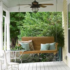 This reminds me of my grandpa's house front porch swing years ago. I want a front porch! Outdoor Rooms, Outdoor Living, Outdoor Decor, Outdoor Ideas, Atrium, Green Siding, Home Porch, Diy Porch, Relaxing Places
