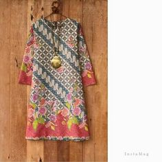 Batik Blazer, Blouse Batik, Batik Dress, Batik Fashion, Hijab Fashion, Fashion Dresses, Emo Dresses, Party Dresses, Mode Batik