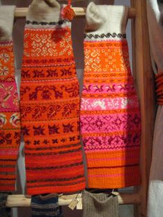 Muhu island knit... (Linda) love the colors!