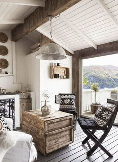 Found on Bing from nordichomeetcetera.com Scandinavian Interior Design, Scandinavian Home, Modern Interior Design, Scandinavian Furniture, Cottage Living Rooms, Living Room White, Shabby Chic Dining Room, Balkon Design, Country Style Homes