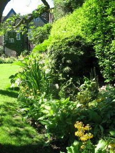 Priory-garden-12-copyright-charlotte-rowe-garden-design