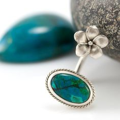 Hey, I found this really awesome Etsy listing at http://www.etsy.com/listing/106743542/silver-chrysocolla-ring-with-flower-twin