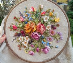 Silk Ribbon Embroidery, Crewel Embroidery, Embroidery Hoop Art, Embroidery Patterns, Ribbon Art, Ribbon Crafts, Embroidery Stitches Tutorial, Floral Motif, Silk Flowers