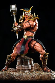 Estatua Mortal Kombat 9. Shao Kahn, 48cm Pop Culture Shock Estatua a escala 1/4 del luchador Shao Kahn tal y como aparece en el videojuego Mortal Kombat 2011.