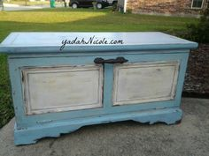hand painted with CeCe Caldwell's Memphis Blue Chalk+ Clay Paint and Vintage White