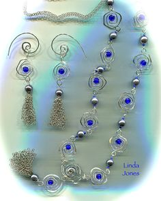"""""""Azure Rose"""" Tutorial from Issue 84 of Beads & Beyond Magazine"""