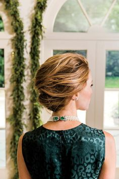 Easy Hairstyles To Get You Through Every Holiday Party: The Windswept French Twist