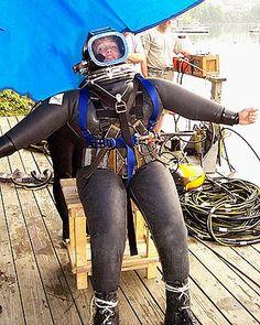 Risultati immagini per women in drysuit Diving Helmet, Diving Suit, Scuba Wetsuit, Technical Diving, Scuba Diving Equipment, Heavy Rubber, Rain Wear, Gas Masks, Underwater