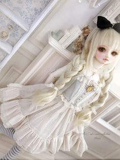 Blond Alice Dollfie  I like dolls and I don't care that some people find them creepy.
