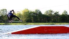 Hanno Bimberg #wakeskate #wakeskating  @ Wasserski Süsel in Süsel, Schleswig-Holstein Wakeboarding, Surfboard, Skate, Bodybuilding, Around The Worlds, Yoga, Heavenly, Athletes, Sports