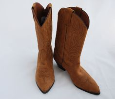 Vintage Women's Cowgirl Boots.