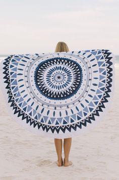 The Beach People Round Towel Majorelle . Round beach towel for Summer. The Beach People, Motif Navajo, Motifs Aztèques, Beach Blanket, Summer Essentials, Bath Towels, Spring Break, Beach Mat, Circle Beach Towel