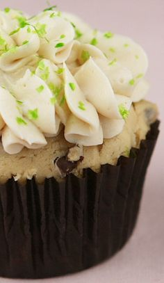 Chocolate Chip-Irish Cream Cupcakes w/Bailey's Buttercream