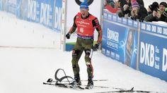 Biathlon-Massenstart der Herren in Oberhof | Bildquelle: Dirk Hofmeister/sportschau Superman, Motorcycle Jacket, Jackets, Biathlon, Down Jackets, Jacket
