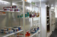 oyin salon Oyin Handmade, Bathroom Medicine Cabinet, Baltimore, Instagram Posts, Meet, Hands, Design, Shopping