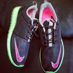 "#SkeeLocker 101/365: Nike Rosherun FB ""Yeezy"" in blink & fresh mint w/the textured swoosh"