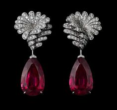 Indian Influences – High Jewelry Earrings Platinum, two pear-shaped rubellites totaling 39.55 carats, pink sapphires, brilliants.