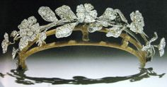 Wild Rose and Carnation Tiara (19th c.; diamonds). Flowers en tremblant.