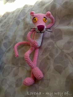Amigurumi Pink Panther / Pantera Rosa [updated / Actualizado] by my way of. Animal Knitting Patterns, Crotchet Patterns, Amigurumi Patterns, Crochet Gifts, Crochet Dolls, Crochet Yarn, Yarn Animals, Crochet Animals, Rosa Panther