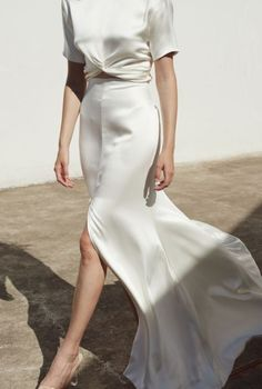 In the Atelier With: Hi June Parker :: This Is Glamorous Look Fashion, High Fashion, Fashion Outfits, Womens Fashion, Woman Outfits, Fashion Hacks, Bridal Fashion, Fashion Spring, Fashion Ideas