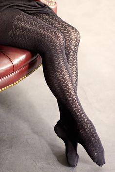 Great eyelet floral patterned tights from MP! UPDATE: we regret to inform you that this style has been discontinued and is no longer available.