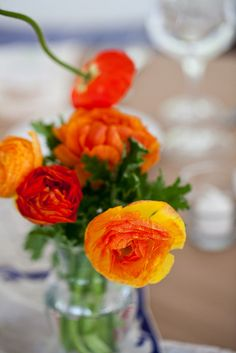 Ranunculus is my favorite Spring flowers. They come in a wide range of colors and is great in all kinds of bouquets and arrangements.