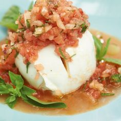 Mozzarella mit Melonen-Salsa RezeptIt may sound a bit crazy, but it tastes absolutely awesome. Top mozzarella is important here, then you have a great summer starter.Mozzarella with melon salsa recipeCaty Rennecke dekotipps mm lecker It may sound a b Seafood Appetizers, Seafood Recipes, Appetizer Recipes, Easy Summer Meals, Healthy Summer Recipes, Healthy Food, Grilling Recipes, Slow Cooker Recipes, Cooking Recipes