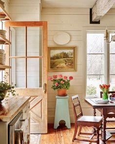 45 Incredible European Farmhouse Living Room Design Ideas – Decorating Ideas - Home Decor Ideas and Tips Style Cottage, Cottage Design, Cottage Living, Cottage Homes, Country Farmhouse Decor, Farmhouse Design, Country Kitchen, Farmhouse Table, Rustic Cottage