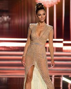 Miss Universe Demi-Leigh Nel-Peters stuns in her evening gown while she competes as a top 10 finalist. Pageant Dresses, Sexy Dresses, Beautiful Dresses, Miss Universe Swimsuit, Miss Universe Dresses, Demi Leigh Nel Peters, Matric Dance Dresses, Miss Mundo, Dress Vestidos