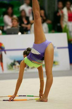 How to choose Gymnastics equipment for rhythmic gymnastics? Rhythmic Gymnastics Clubs, Gymnastics World, Gymnastics Flexibility, Sport Gymnastics, Artistic Gymnastics, Olympic Gymnastics, Cheerleading Pictures, Gymnastics Photography, Gymnastics Pictures