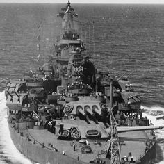 ⚓ .US Navy Dreadnought Battleship USS Tennessee (BB-43) be underway at sea late WWII in the Pacific 1943. ⚓