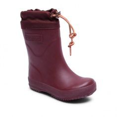 We talked to stylish moms and dads, a children's clothing designer, a stylist, and a mom-fluencer to find the best rain boots for kids including Bogs Kids' Skipper Waterproof Rubber Rain Boot and Hunter Original Kids Rain Boot. Best Rain Boots, Kids Rain Boots, Rubber Rain Boots, Minimalist Boots, Bordeaux, Thick Socks, Natural Rubber, Wide Feet, Hunter Boots