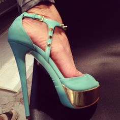 OH MY GOD! I just received my Resort @Ruthie_Davis Jupiter sandals from @Neimanmarcus. My heart just skipped a beat. - @ruthie_davis- #webstagram