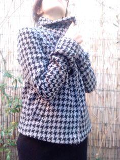 Coat/Abrigo pata de gallo teñido a mano en color lavanda. http://sondemar.tictail.com/products/second-handsegunda-mano