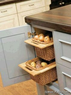 Mutfağınızda bulunan boş yerleri değerlendirmek isterseniz burada bulunan 12 güzel fikir ilginizi çekebilir.