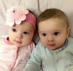 Semoga yang like dan komen amin bulan ini bisa cepat mempunyai momongan. Cute Baby Twins, Twin Baby Boys, Boy Girl Twins, Cute Little Baby, Twin Babies, Little Babies, Boy Or Girl, Beautiful Children, Beautiful Babies