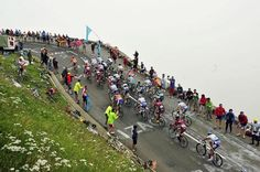 The peloton on a climb during stage 17
