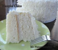 The Best White Cake Recipe . This is the best homemade white cake recipe. Tender, light, moist, and fluffy cake layers frosted with the creamiest vanilla Kokos Desserts, Coconut Desserts, Köstliche Desserts, Hawaiian Desserts, Frosting Recipes, Cake Recipes, Dessert Recipes, Haupia Cake Recipe, Coconut Haupia Recipe