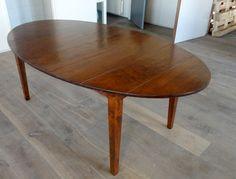 kersenhouten tafel ellips http://www.houtentafels.nu/Houtentafels-Kersen/index.html