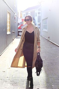 @ARITZIA camel trench coat, Celine Caty sunglasses, black skinnies & black ankle boots. #style #fashion #fall #minimal