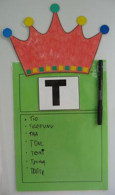 LA LETRA REINA DE LA SEMANA Teaching Letters, Preschool Letters, Alphabet Activities, Language Activities, Activities For Kids, Kindergarten Anchor Charts, Kindergarten Literacy, Spelling Patterns, School Tool