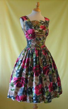 1950s Cocktail Dress / 50s Summer Dress / Gorgeous Floral Print / Full Skirt…