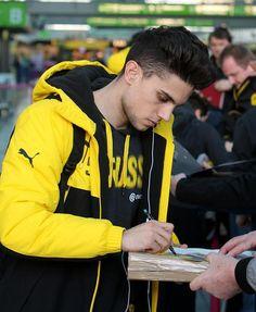 Marc Bartra, Athletes, Spain, Soccer, Game, Beautiful, Borussia Dortmund, Football, European Football
